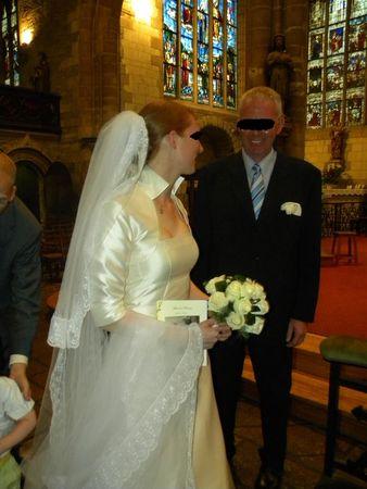 Voile de mariée bordé de dentelles