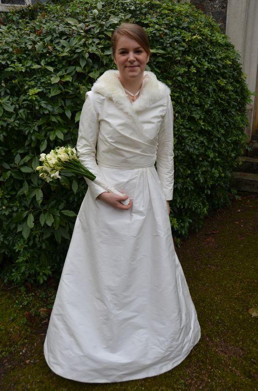 ... de Garance – Cortège Claire: framboise et gris, et robe de mariée