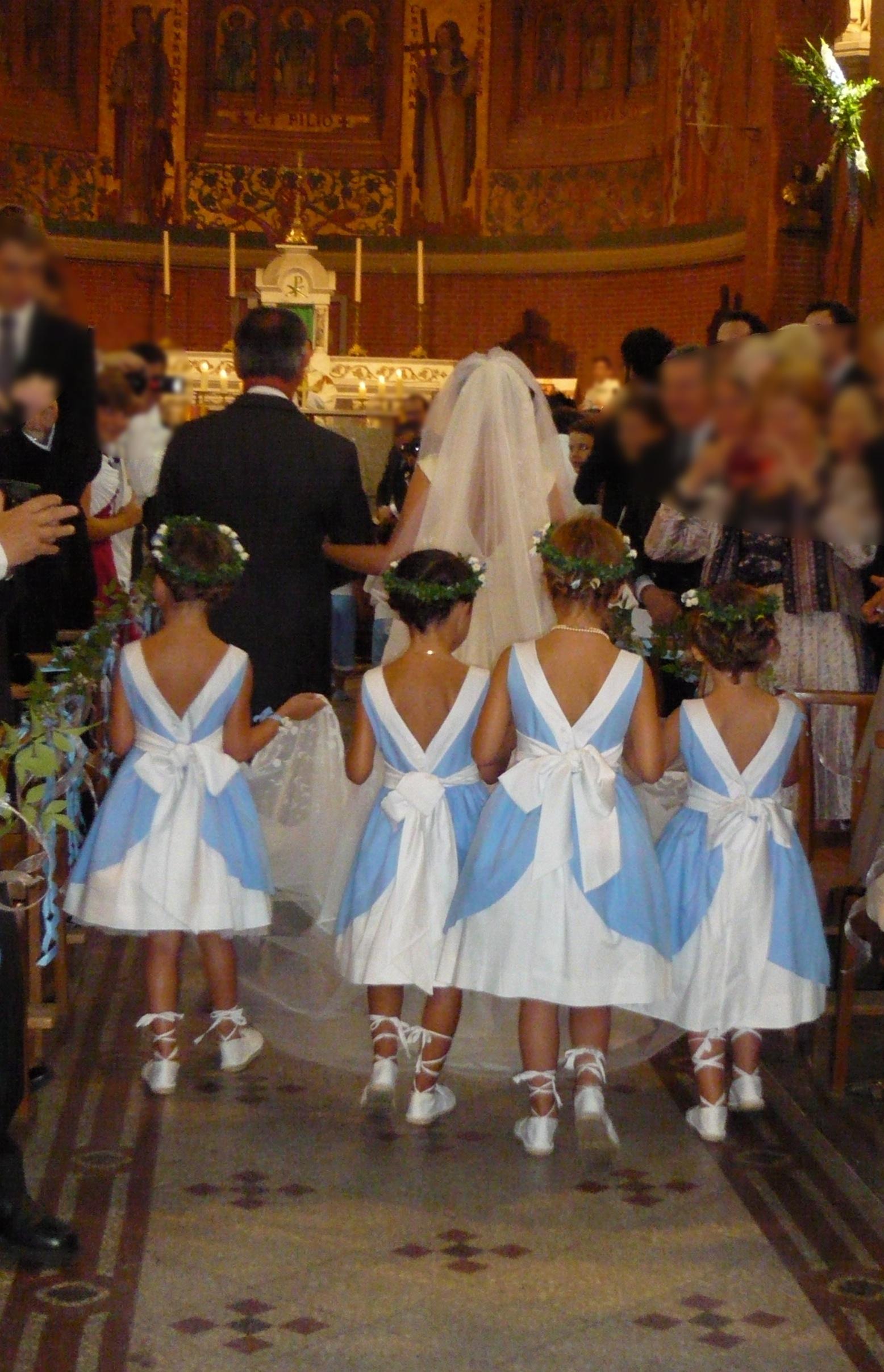 Cort ge anne sophie surjupe et d collet dos for Robes de demoiselles d honneur bleu marine mariage