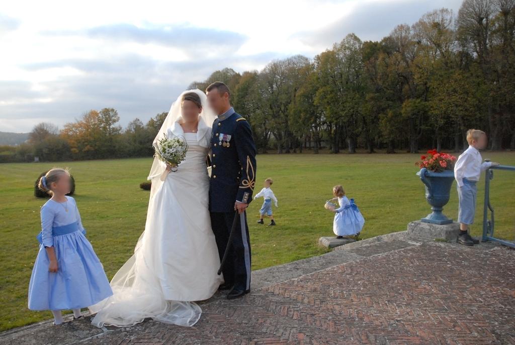 Robe de mariée de Perrine: robe bustier et boléro