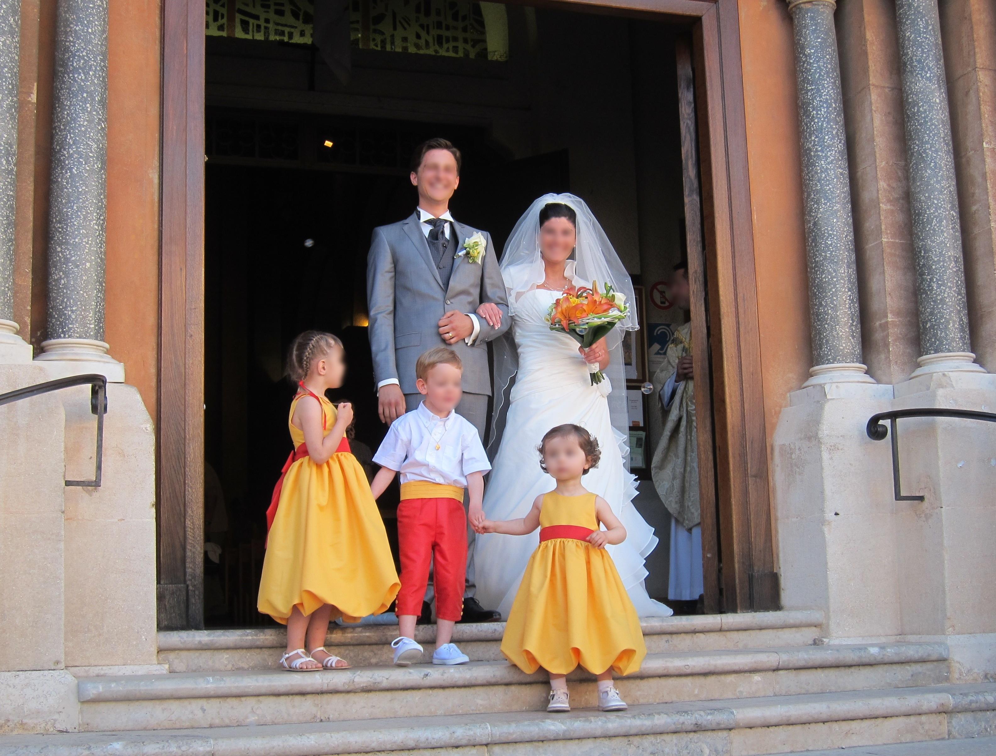 97ae84991491 Cortège d enfants d honneur  jaune et rouge orangé