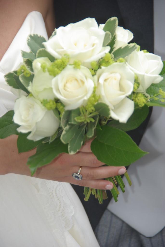 Bouquet de mariée de Mathilde: roses blanches