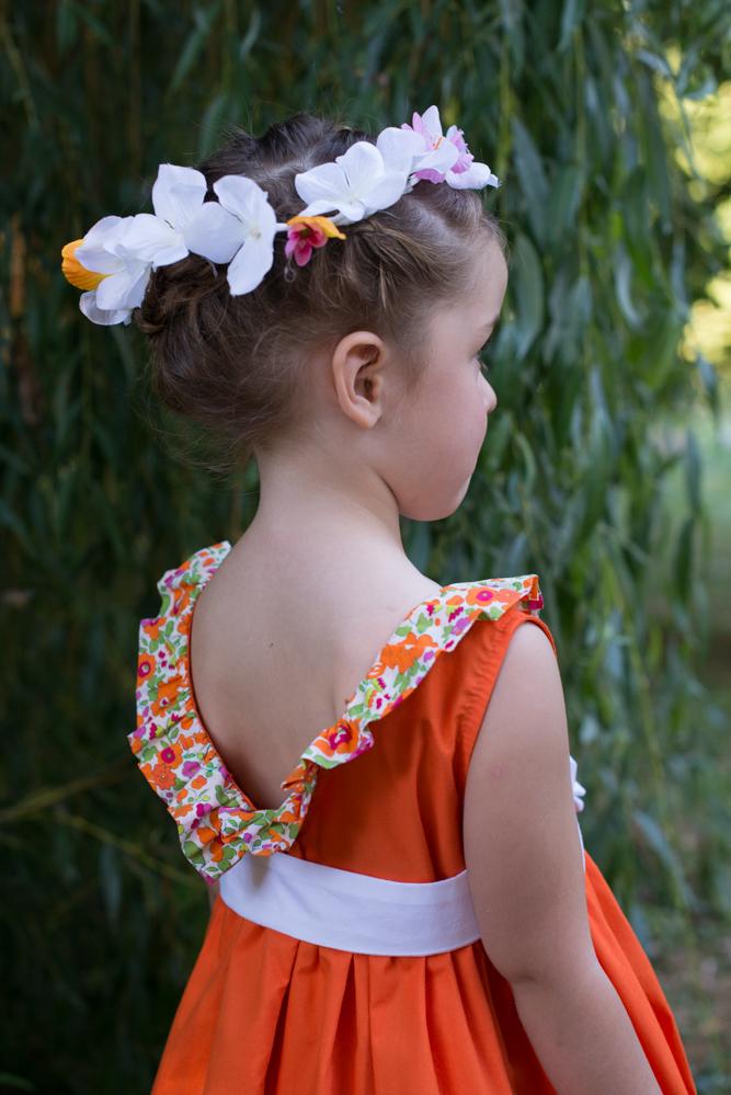 Photo: Solène Perrot - Tissu: Stragier - Printemps: robe à encolure volantée
