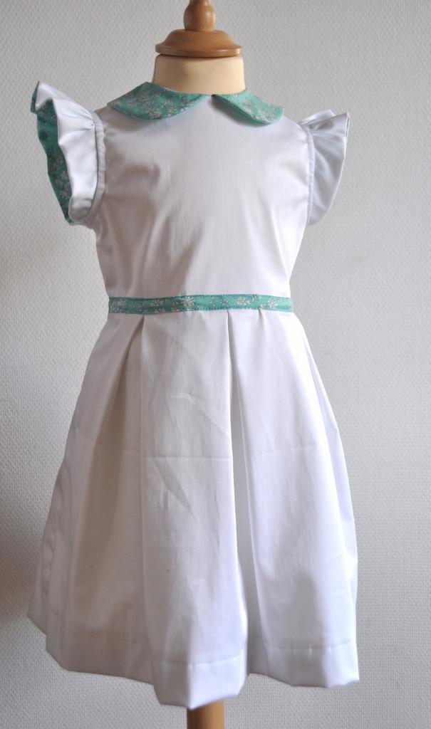 Patron de robe à mancherons volantés et 3 plis creux