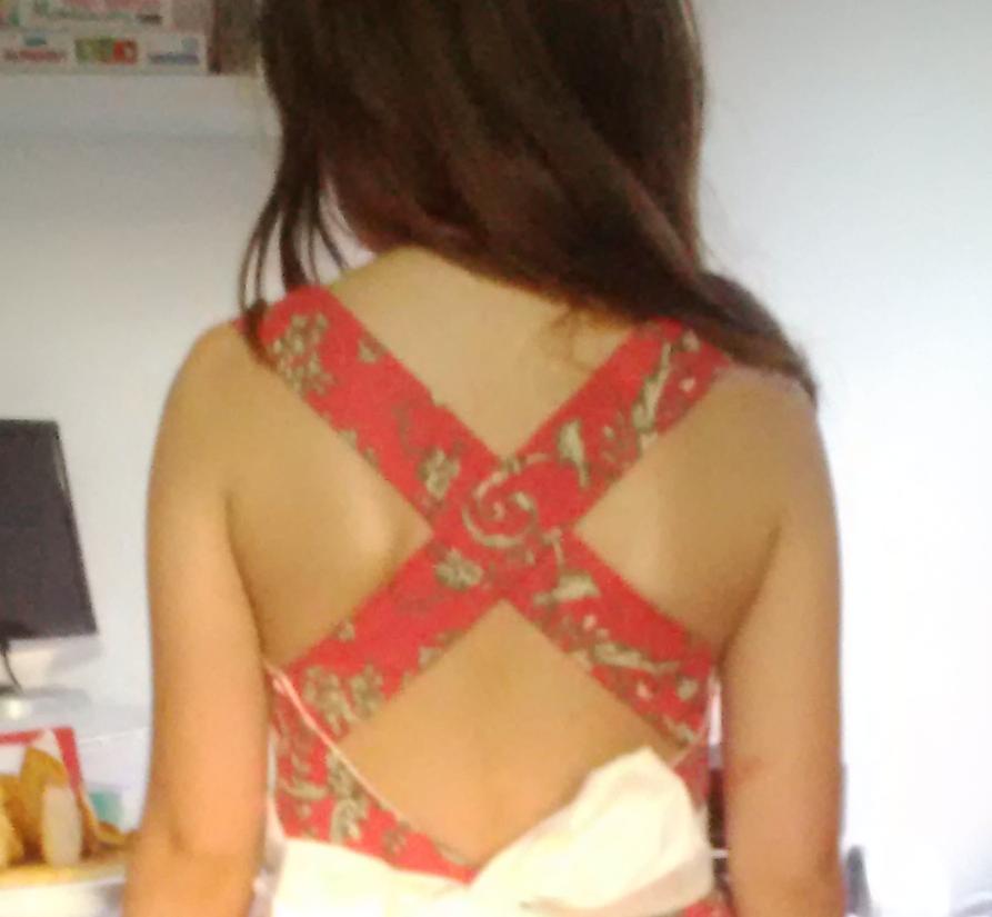 Robes bretelles croisées sur dos nu